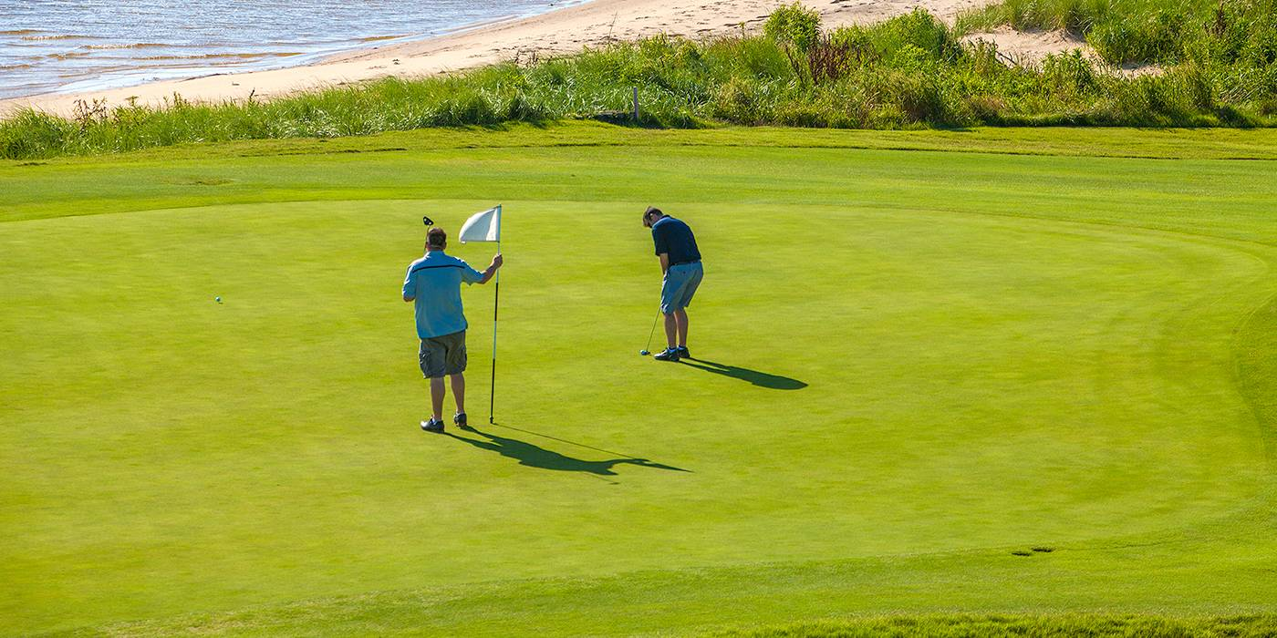 golfers on Nags Head golf course