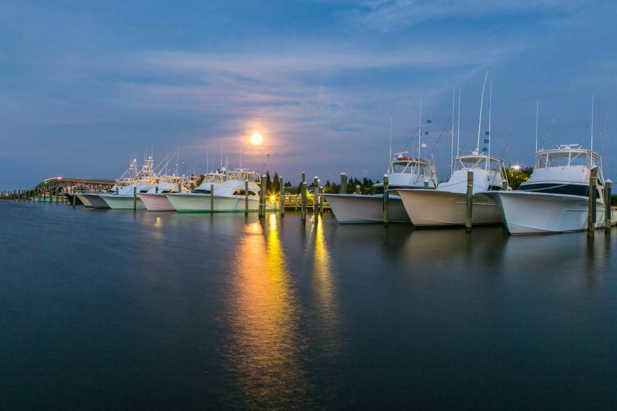Blue water grill raw bar obx area info village realty - Blue water bar and grill ...