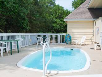 CC051 Foreplay at 5 | Private Pool
